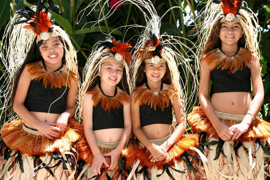 Young Pacific Island Dancers - lightbox