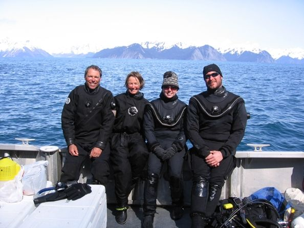 Aquarium Team Collects Animals in Alaska