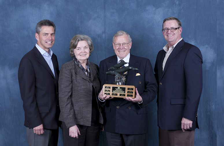 Pacific Life Foundation Honors Aquarium with Community Service Award and Grant