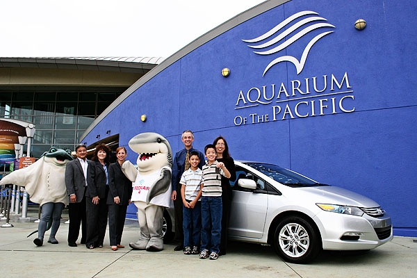 Wadsworth Family Wins 2010 Honda Insight Hybrid