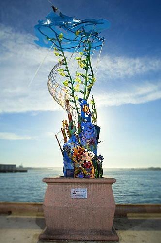 Sculpture with Environmental Message Takes Residence at Aquarium of the Pacific